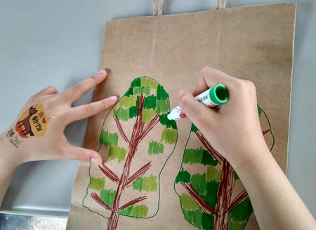 圖片:「玩藝玩」親子活動-拼拼貼貼來玩小繪本