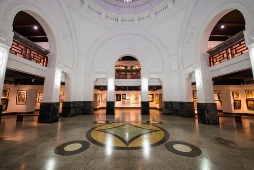 第1、2展覽廳尚有檔期可供租借,有意租用者請洽本館
