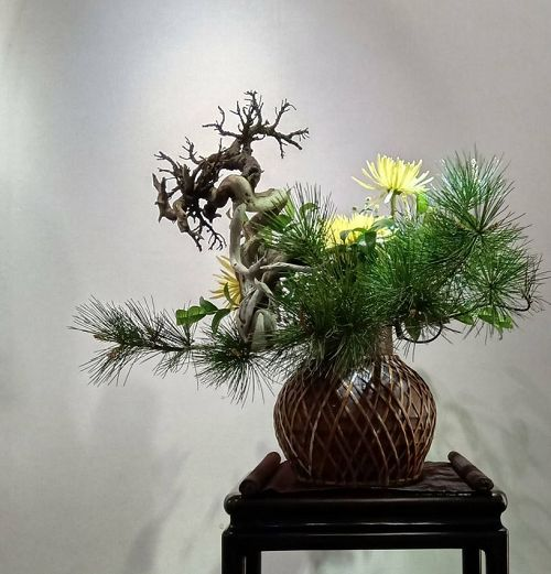 """An Invitational Exhibition of Famous Artists Brought by Chinese Entertainment and Creative Industry Development Association and """"Ceramics and Tea: A Beautiful Encounter""""- A Joint Exhibition by Liu Xiao-Kun and Kao Hui-Zhen"""