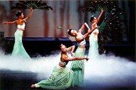 圖片:舞在千山萬水間